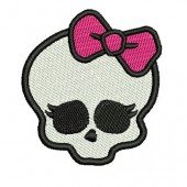SKULL WITH LACE