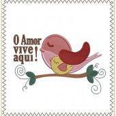 LOVE LIVES HERE 17 CM